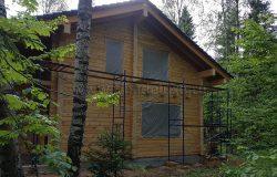 """Весь дом надо """"окружить"""" лесами."""