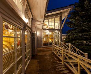 Фотографии экстерьера дома из клееного бруса