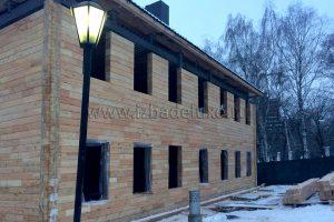 Строительство офисного здания из клееного бруса в Москве. Изба Де Люкс.