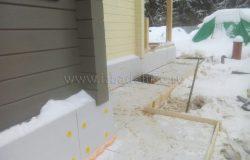 """Заливаемся частями. Так удобнее разносить бетон и """"ловить"""" погоду :)"""
