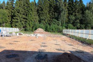 Начался монтаж фундамента на объекте «Климента на берегу залива».