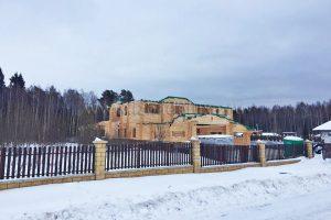 Завершились работы по сборке стен домокомплекта на объекте Усадьба «Диана».